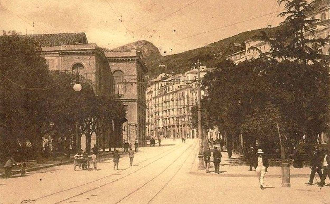 Teatro Giuseppe Verdi e via Indipendenza